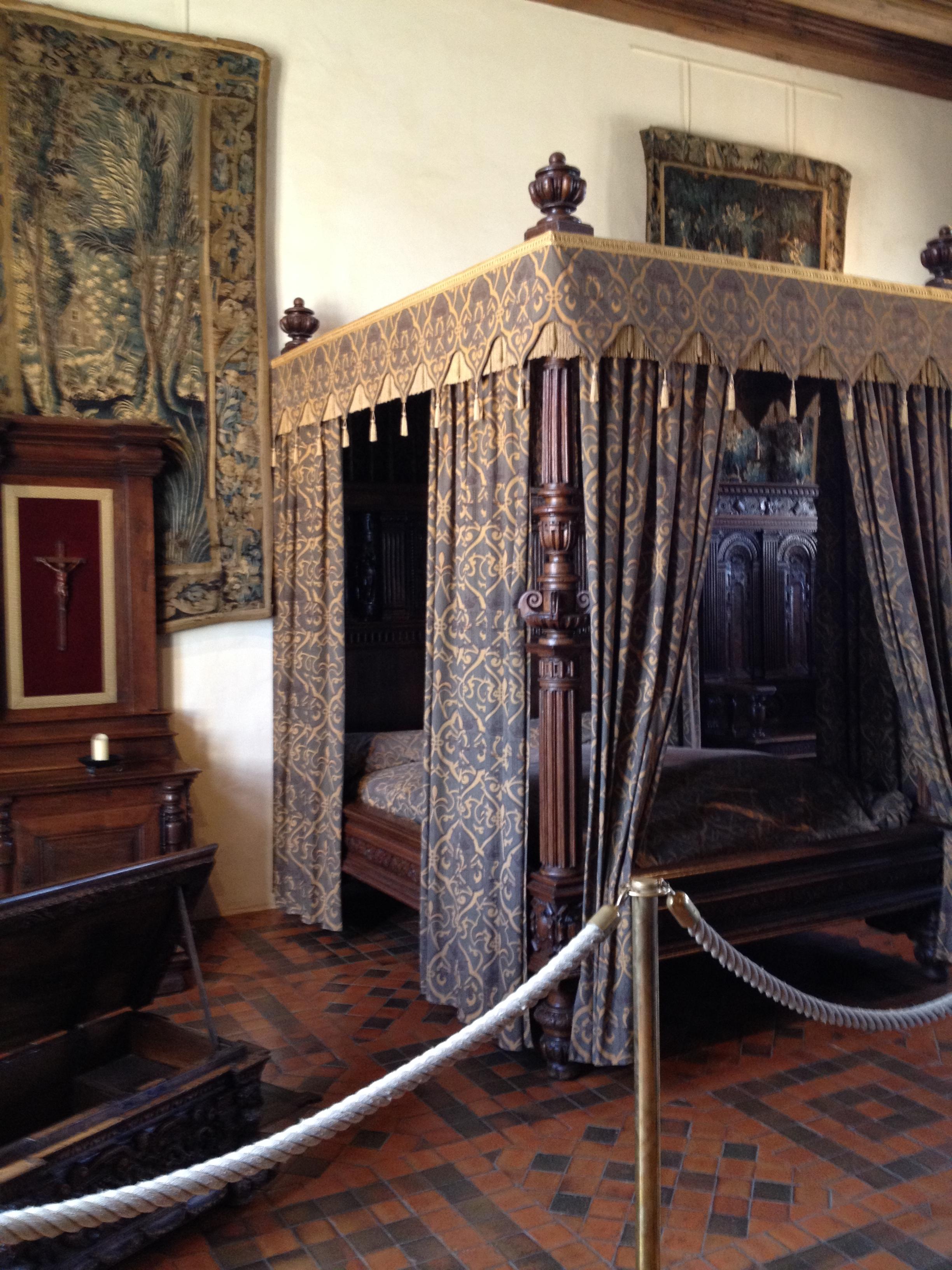 April Calendar Days : Inside chateau d amboise